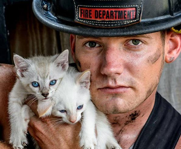 charleston-firefighters-with-puppies-calendar-7-1