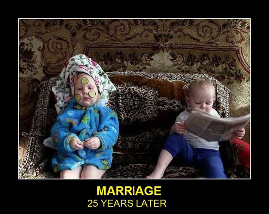funny-babies-marriage-reading-paper-beauty-process