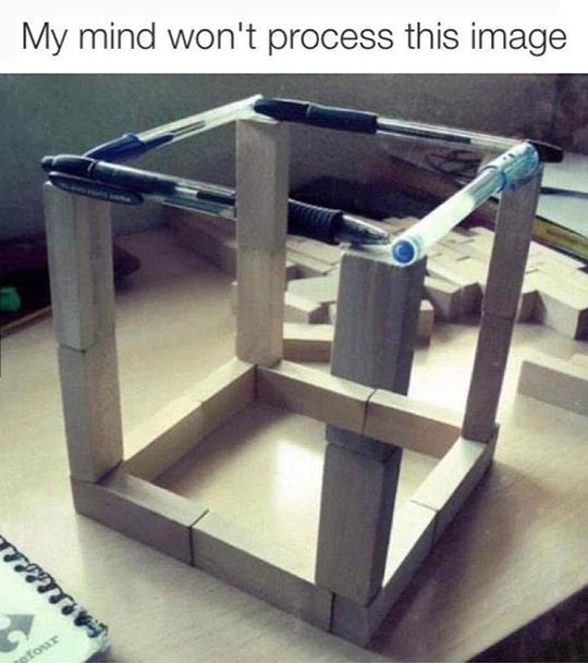 funny-cube-wood-pieces-pencil-optical-illusion