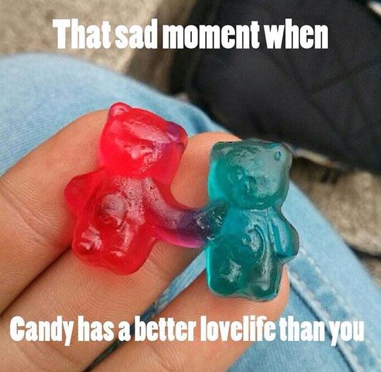 funny-gummy-bear-candy-couple-love