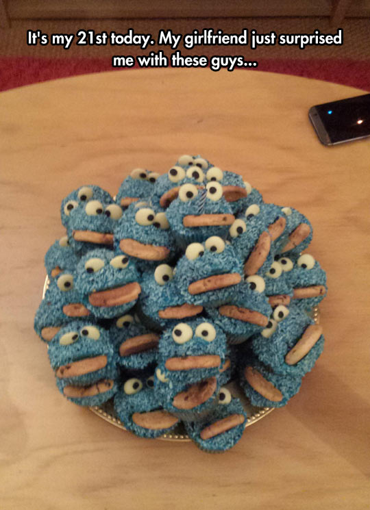 Cookie Monster Cupcakes Look Yummy