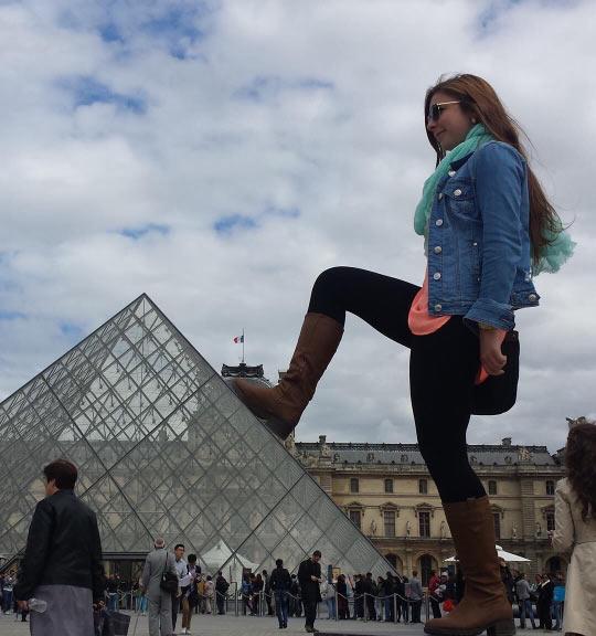 funny-giant-girl-incredible-Photoshop