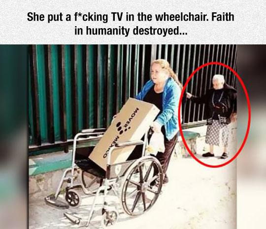funny-woman-wheelchair-TV-grandma