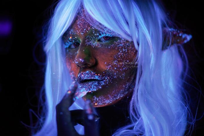 Mixing Sugar + UV Blacklight paint