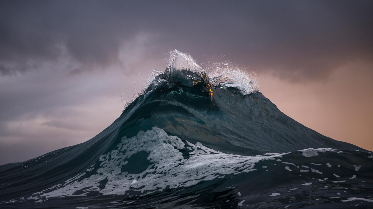 These waves look like mountains