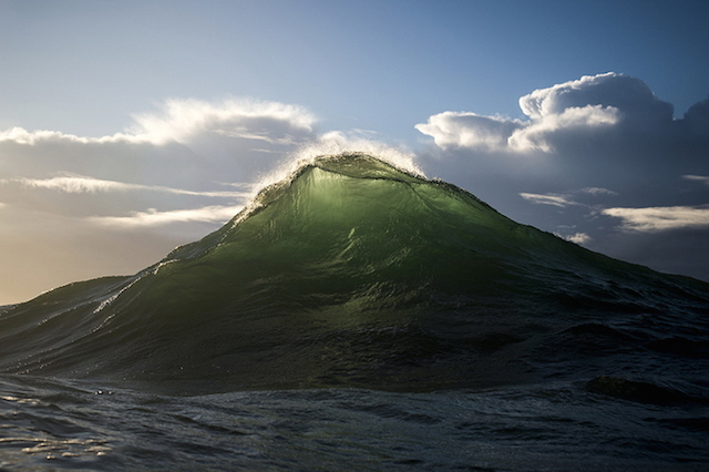 These waves look like mountains2
