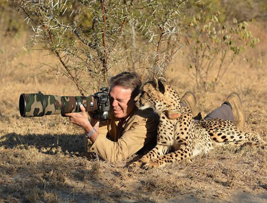 This Is How Real Men Shoot Animals