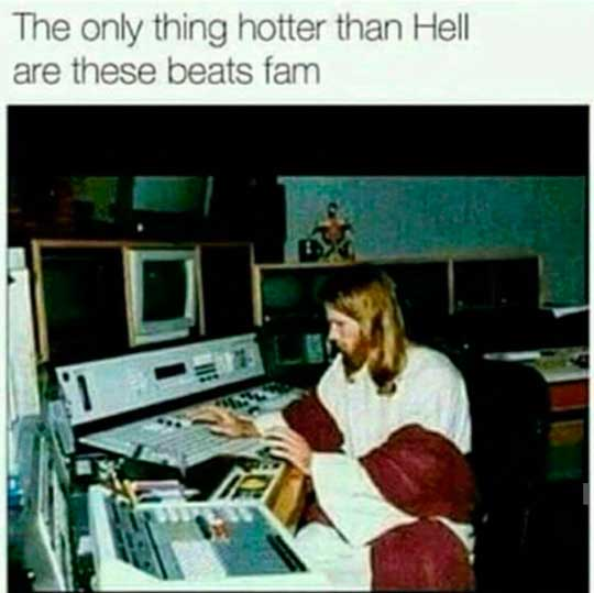 funny-Jesus-DJ-computer-beats-mix