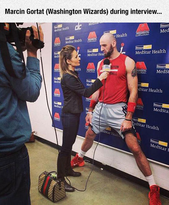 funny-NBA-Marcin-Gortat-interview-crawling