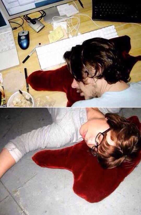 funny-blood-pillow-red-spilled