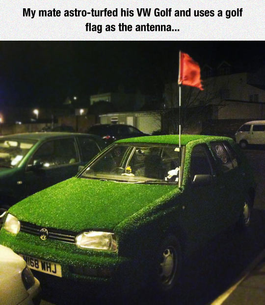 funny-car-golf-field-flag-grass