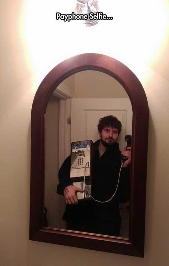 funny-mirror-payphone-selfie