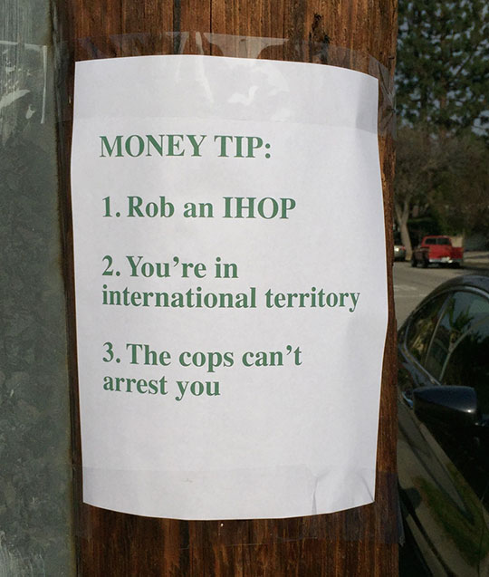 funny-note-IHOP-money-cops
