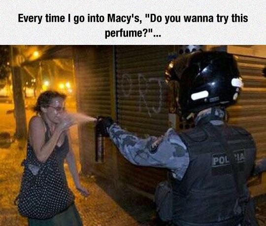 funny-police-pepper-spray-woman