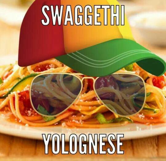 funny-spaghetti-bolognese-hat-glass
