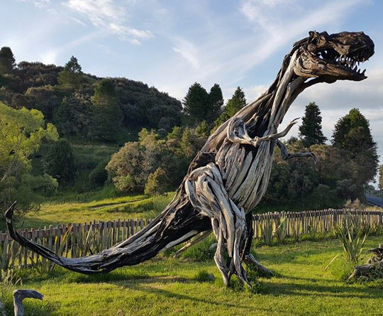 funny-tyrannosaurus-rex-driftwood-statue