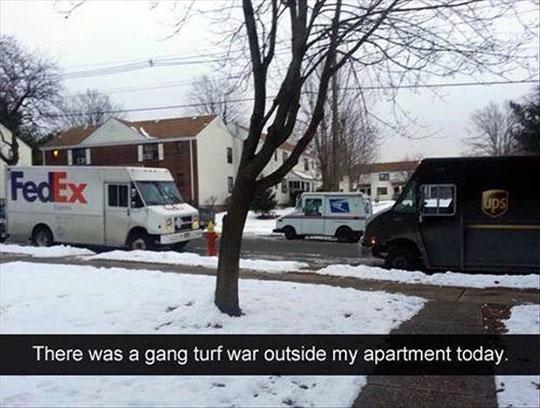funny-FedEx-truck-street-mail-UPS