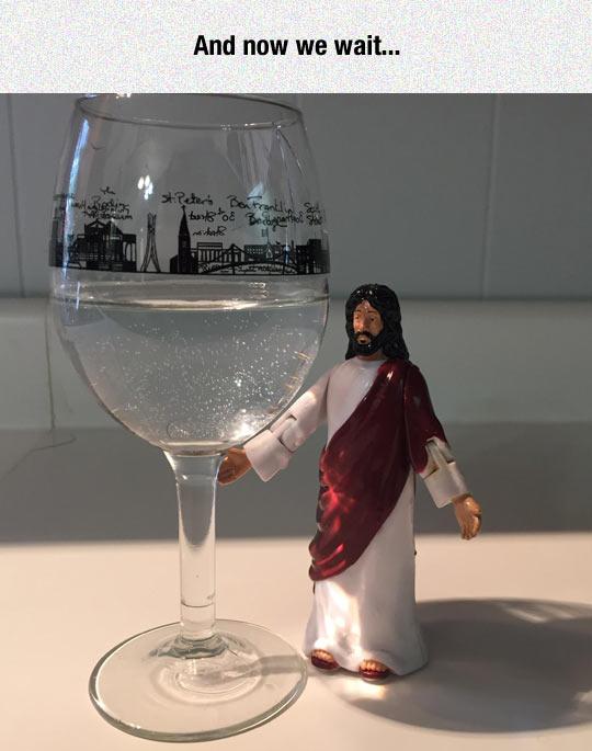 funny-Jesus-glass-water