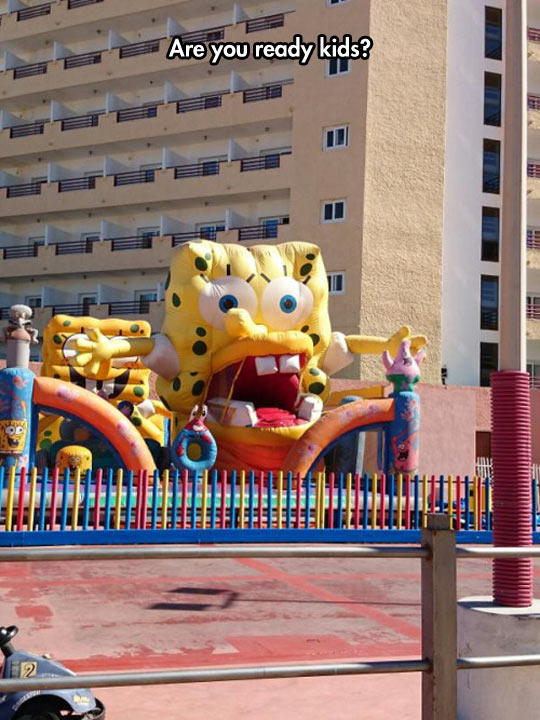 funny-SpongeBob-inflatable-castle-deform