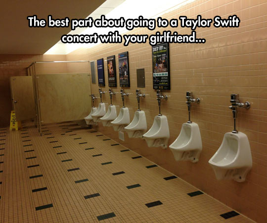 funny-bathroom-Taylor-Swift-concert-empty