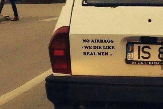 funny-car-like-die-airbags-sticker