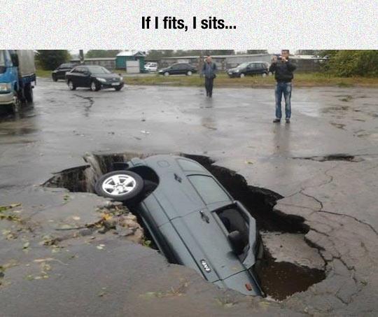 funny-car-hole-fell-street
