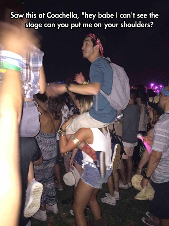 funny-concert-shoulder-girl-boy