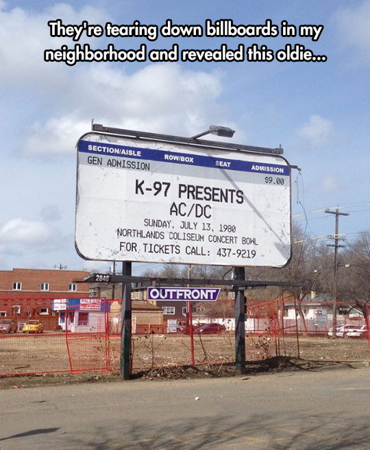 funny-old-billboard-AC-DC-show