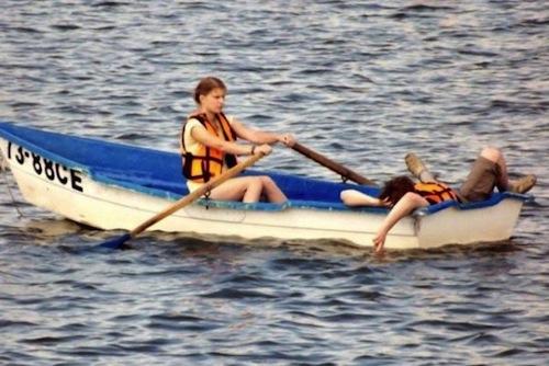people-jerks-rowing