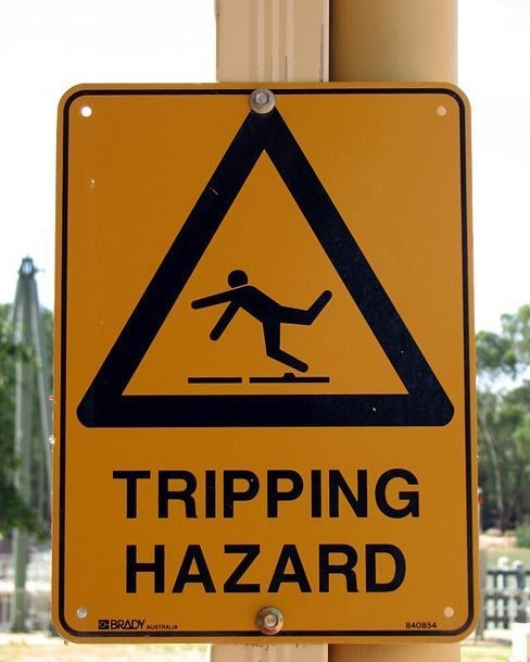 Funny-Signs-Tripping-111