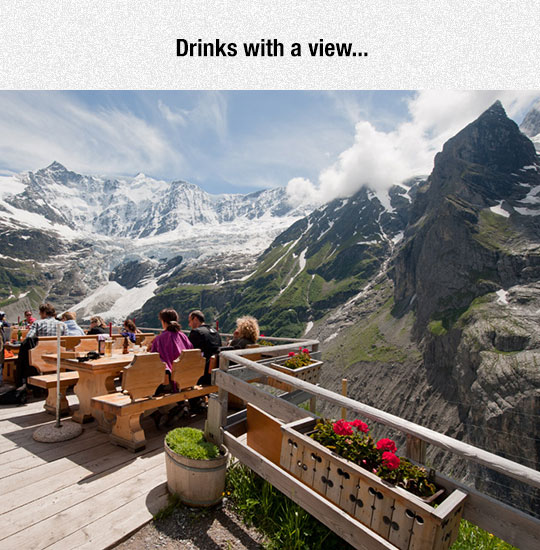 cool-restaurant-view-mountains