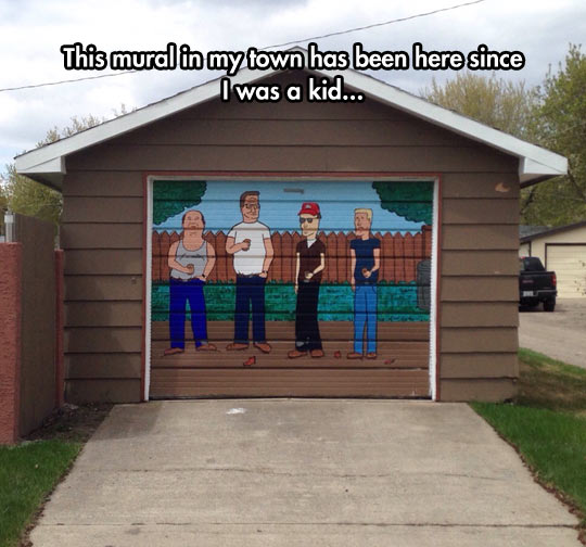 funny-King-Hill-mural-garage