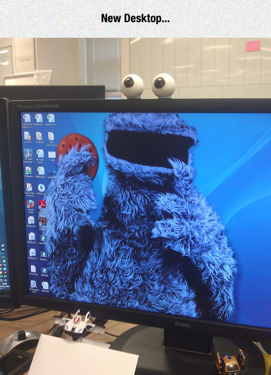 funny-desktop-Cookie-Monster-monitor