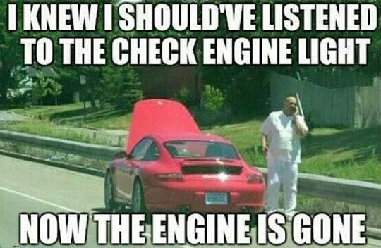 funny-engine-light-Porsche-calling-mechanic