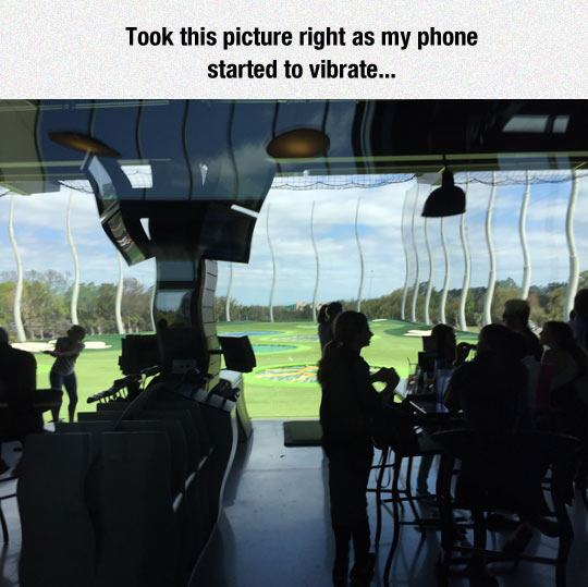 funny-golf-course-phone-vibrate-1