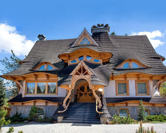 funny-house-roof-door-curves