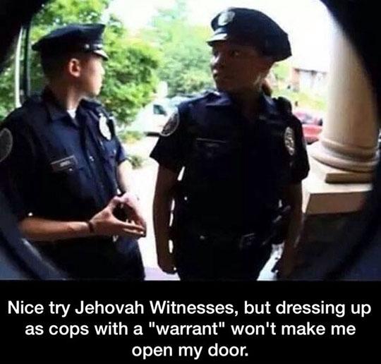 funny-police-door-peephole