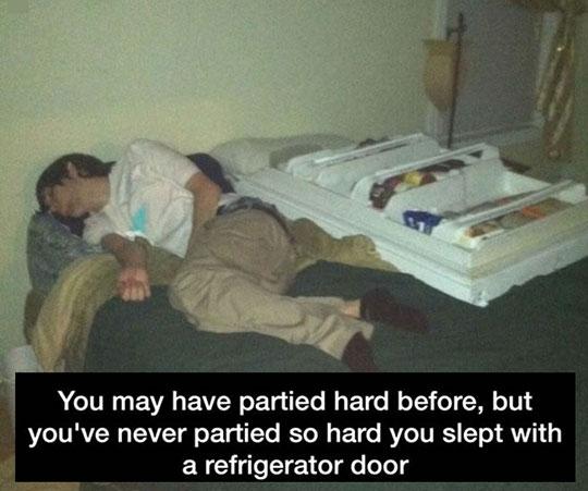 funny-teen-drunk-fridge-door-bed