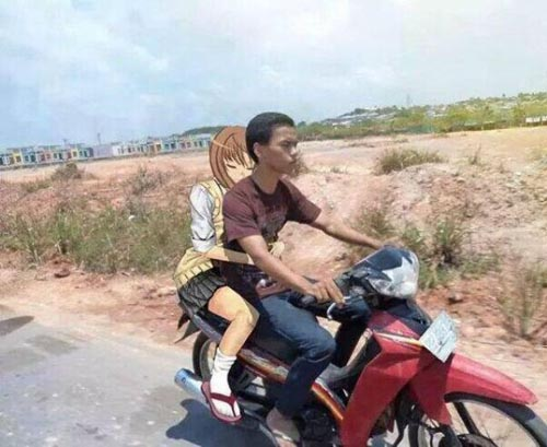 photoshop-girlfriend-motorcycle_0