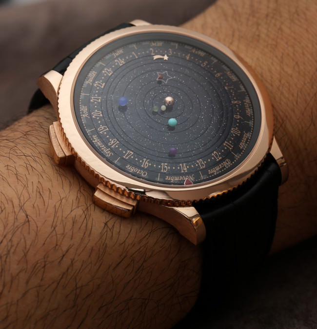 A watch that puts The Solar System on your wrist2