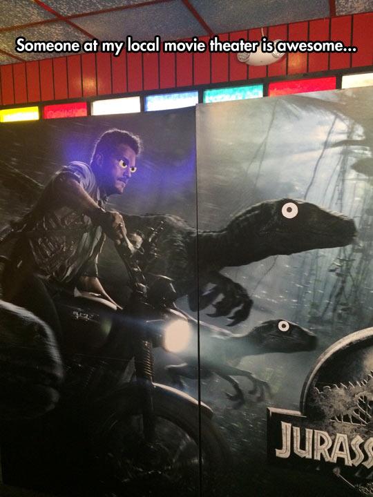 funny-Jurassic-Park-movie-theater
