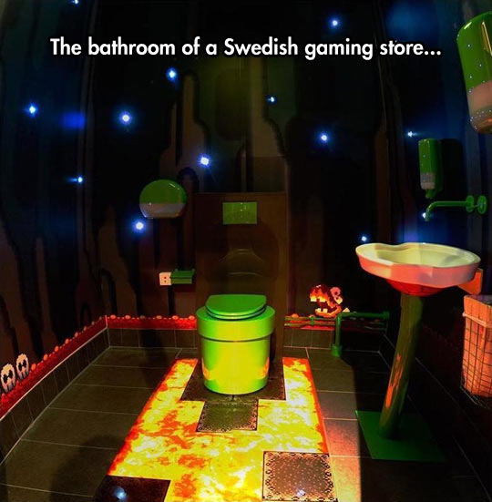 funny-bathroom-video-game-store-Swedish