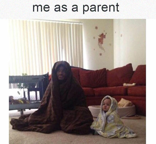 funny-dad-baby-blanket-watching-TV