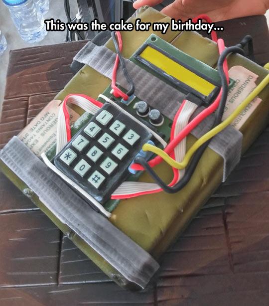 funny-explosive-cake-detonator-birthday