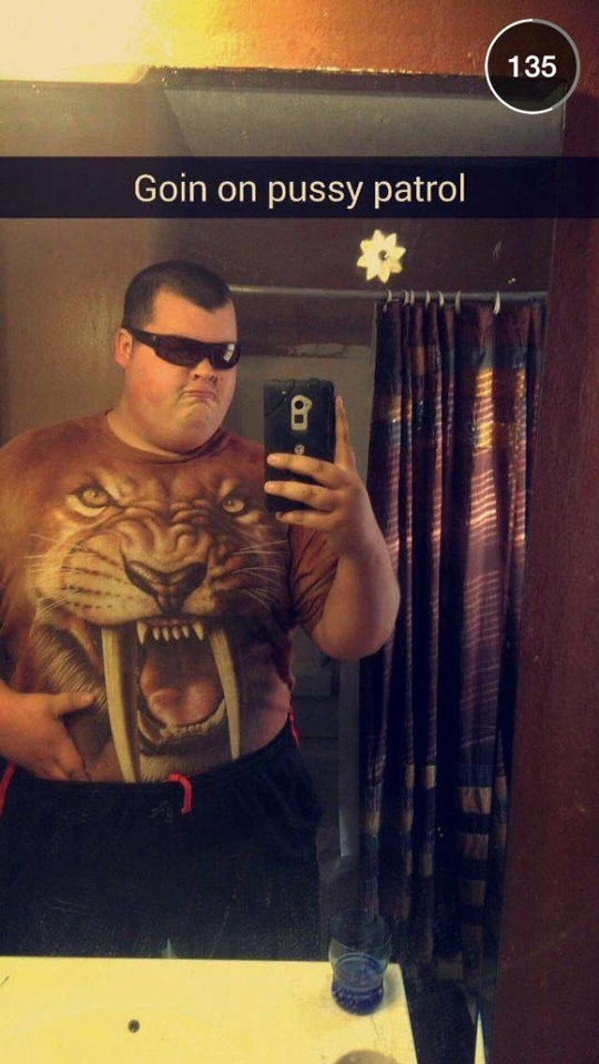funny-selfie-fat-boy-tiger-shirt
