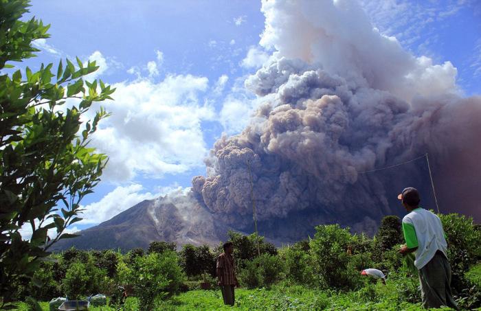 indonesian_volcano_03