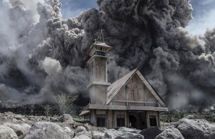 indonesian_volcano_04
