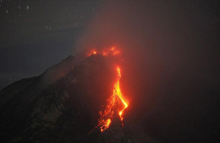 indonesian_volcano_05