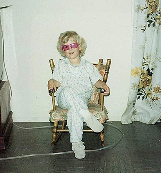 kids-girl-hair-funny-family-photos