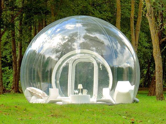 Outdoor bubble room